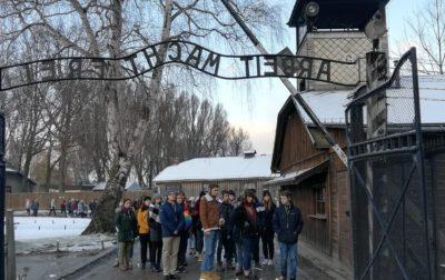 LEKCJA HISTORII W B. NAZISTOWSKIM OBOZIE KONCENTRACYJNYM W OŚWIĘCIMIU I W CENTRUM ŻYDOWSKIM